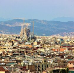 Buildings Sagrada Familia Landmark  - hameleon4422 / Pixabay