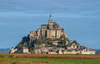 Town Castle Mont Saint Michel  - nguyendinhson067 / Pixabay